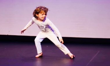 Creative Contemporary Dance age 6-7 years classes TAPAC